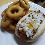 chicago chili dog with onion rings